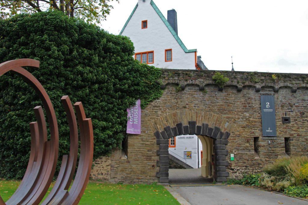 Anfahrt Ludwig Museum, Eingang vom Deutschen Eck (C) Ludwig Museum Koblenz